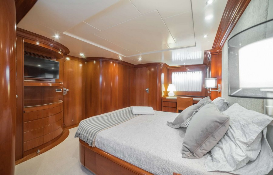 yacht interiors Top yacht designers: 5 luxury yacht interiors by Michela Reverberi Zambezi4