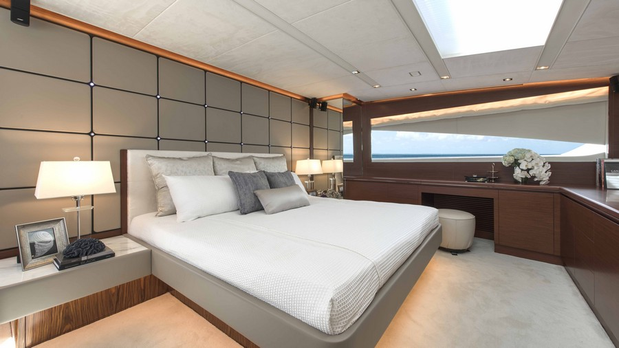 yacht interiors Have a look at 50 of the greatest yacht interiors – Part 2 horizon rp110 master 1