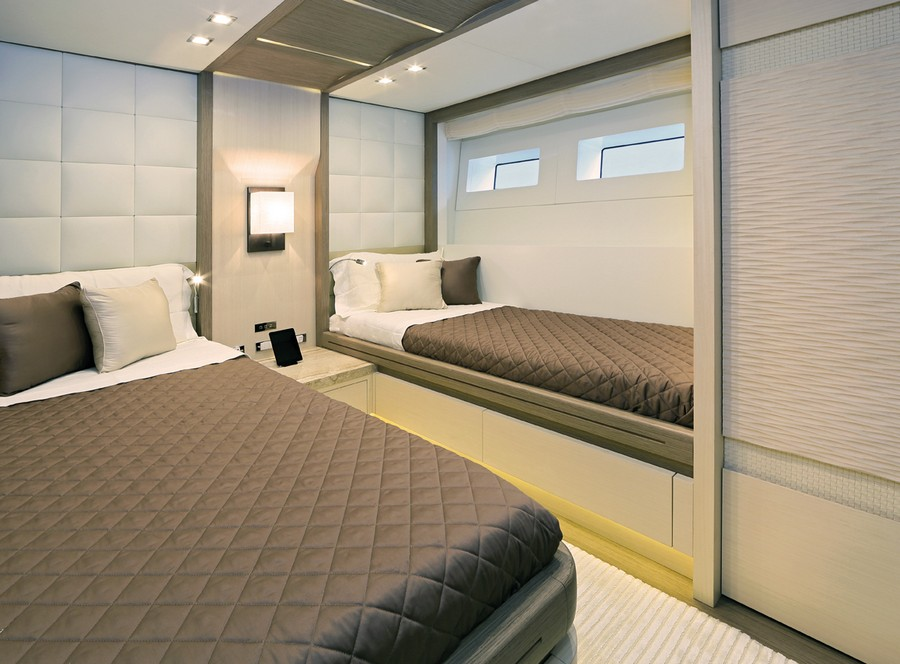 yacht interiors Have a look at 50 of the greatest yacht interiors – Part 3 yp31 Columbus 26