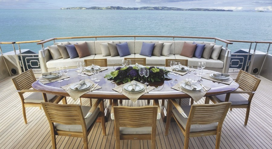 Have a look at 5 of the best sofas used in Luxury Yachts