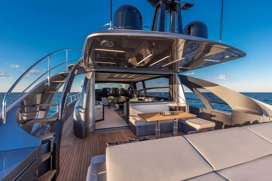 fulvio de simoni Have you seen the New Pershing 8X Yacht by Fulvio De Simoni? Pershing 8X 10
