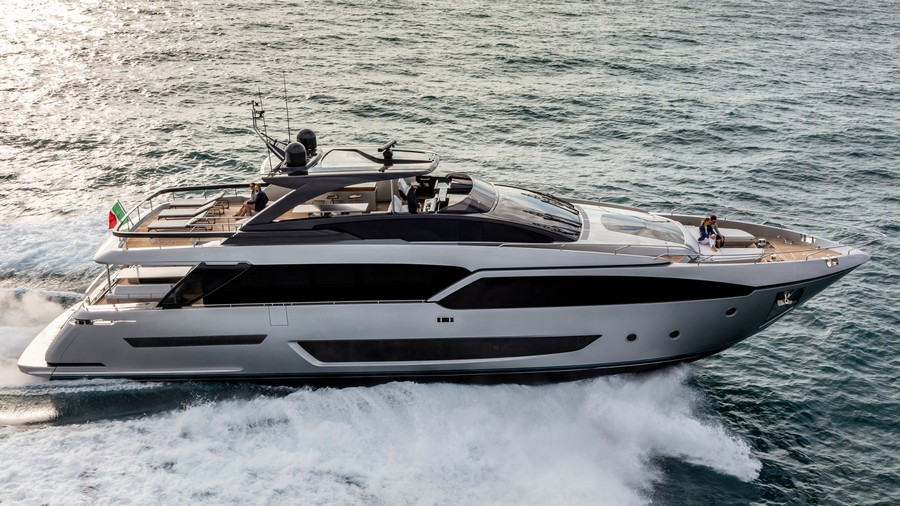 The Riva 90 Argo yacht made its premiere in Miami: have a look! riva 90 argo yacht The Riva 90 Argo yacht made its premiere in Miami: have a look! Riva3