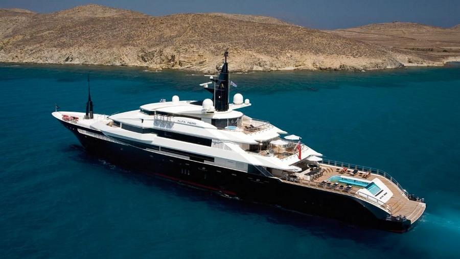 Top Yacht Designers: 5 Luxury Yacht Interiors by Alberto Pinto