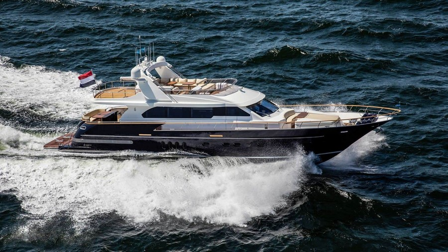Van der Valk's new New Flybridge Motor Yacht fills the seas with JOY van der valk Van der Valk's new New Flybridge Motor Yacht fills the seas with JOY Joy Yacht Van der Valk 7