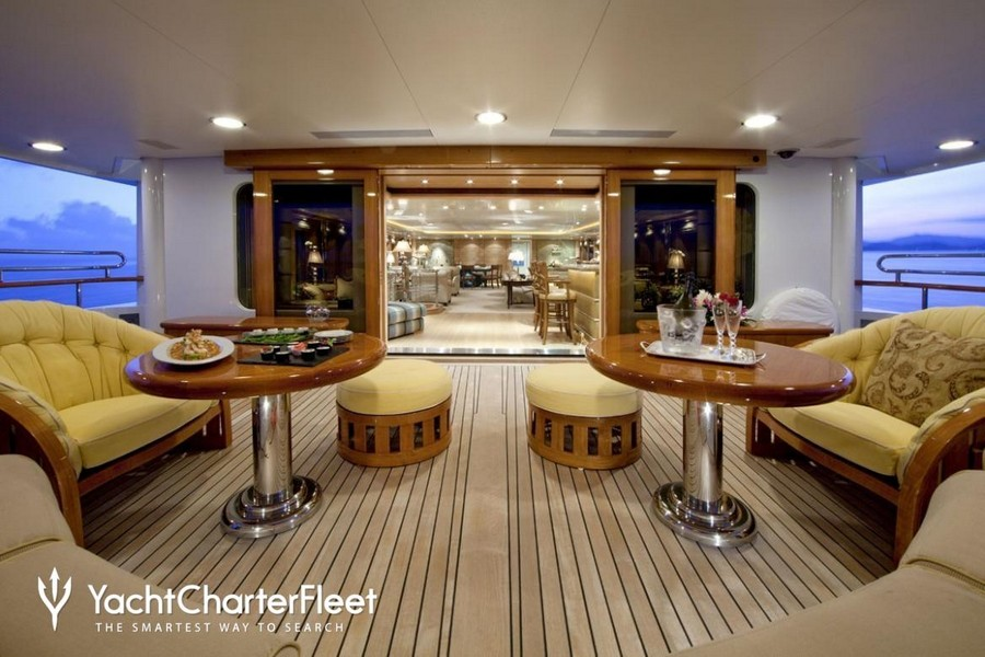 terence disdale Top Yacht Designers: 5 Luxury Yacht Interiors by Terence Disdale Sea Huntress Feadship4