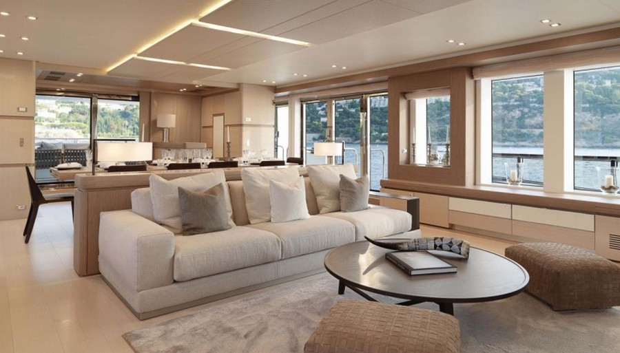 Casual Moveis is a company that provides furniture for luxury yachts